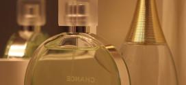 Parfém, nebo toaletní voda