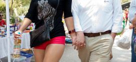 Proč chtějí bohatí muži mladší ženy?